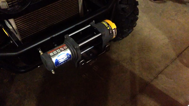 Superwinch Terra 45 on car